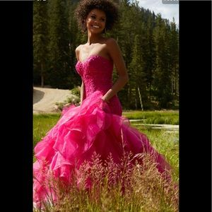 Mori Lee Magenta Prom Dress!!